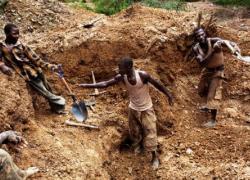 Zimbabwe probes gold leakages, 11 mines shut down