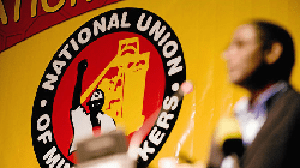 Wage negotiation talks continue, Anglo and NUM sign agreement