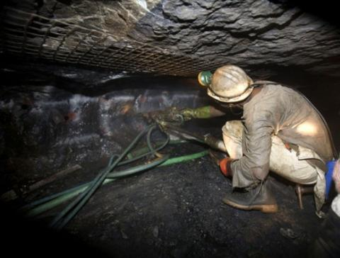 Miners say disputes costing gold sector