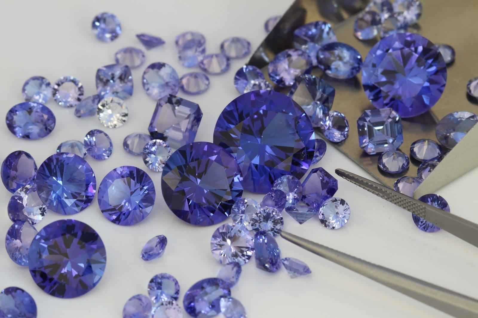 round diamond cubic zirconia china loose gemstones for cz cut color sale blue tanzanite