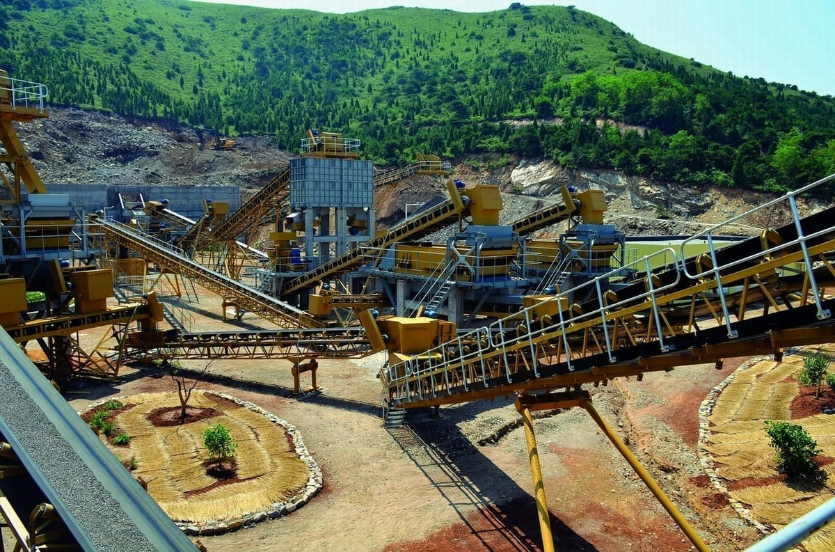 Total comminution to tailings solutions from Weir