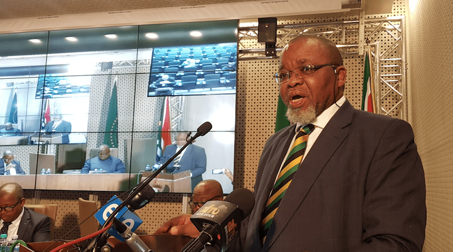 South Africa mines minister delays finalisation of draft mining charter