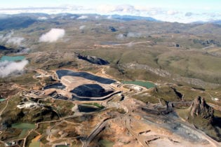 Barrick reaches agreement to sell Lagunas stake
